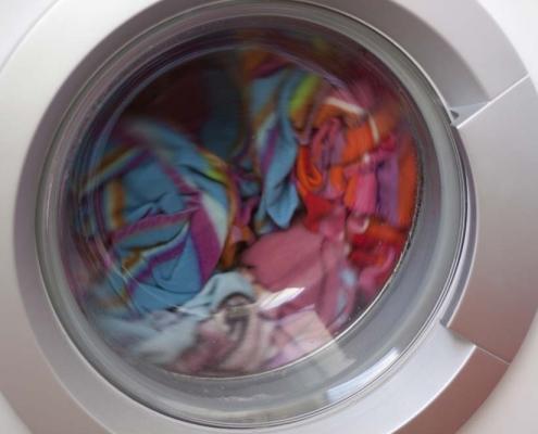 badante pulizia della casa